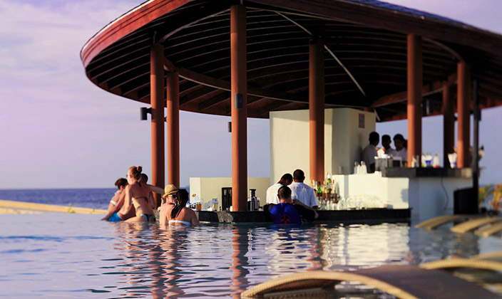 Waves-Pool-Bar.jpg