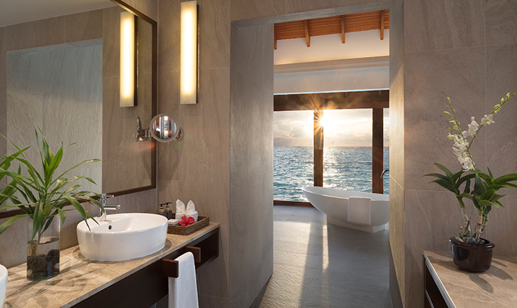 Anantara Over Water Pool Suite2.jpg