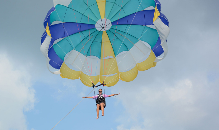 water sports Parasailing.jpg