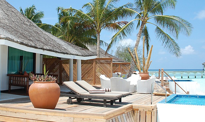 Waterfront-Beach-Villa-with-private-pool5.jpg