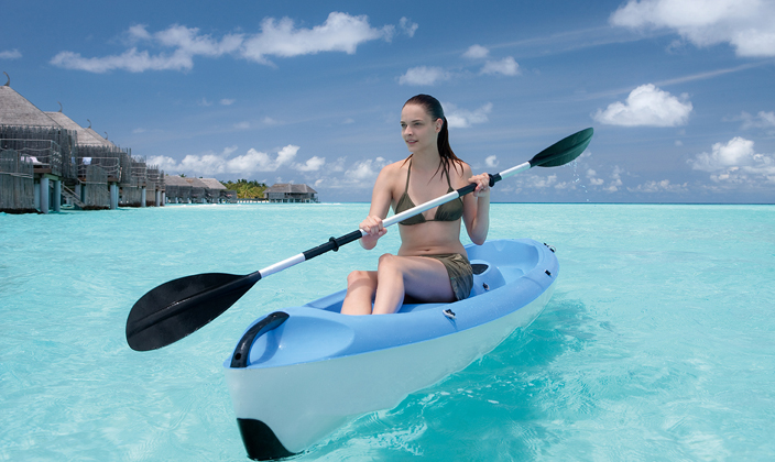 moofushi-maldives-water-activities-kayak-2.jpg