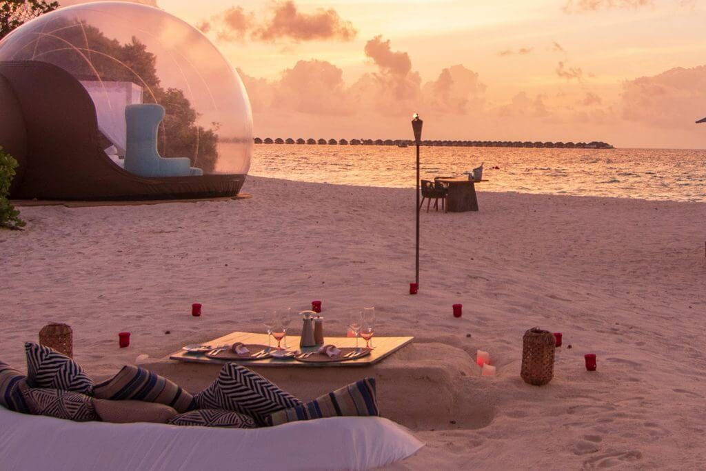 Beach Bubble Tent3.jpg