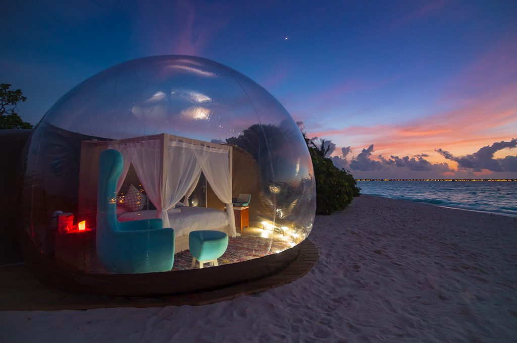 Beach Bubble Tent4.jpg
