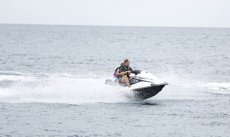 Water Skiing2.jpg