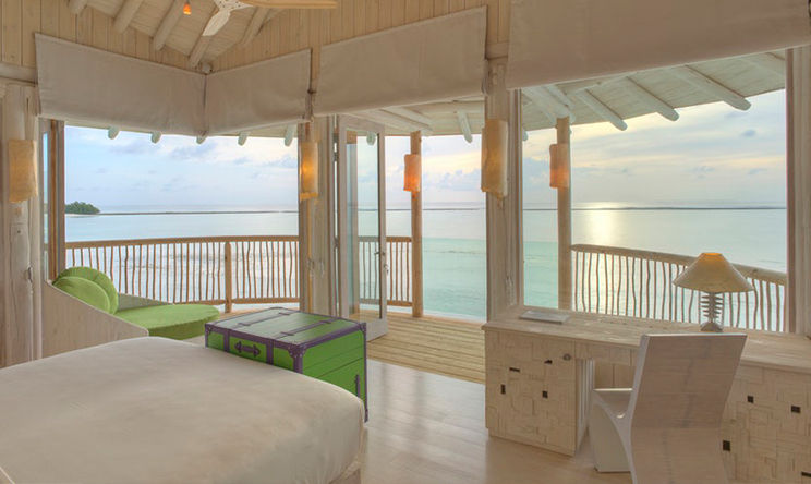2-Bedroom-Water-Retreat_Guest-bedroom-with-view-by-Stevie-Mann_0.jpg
