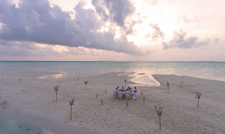 Sandbank-dinner-aerial1-by-Stevie-Mann.jpg