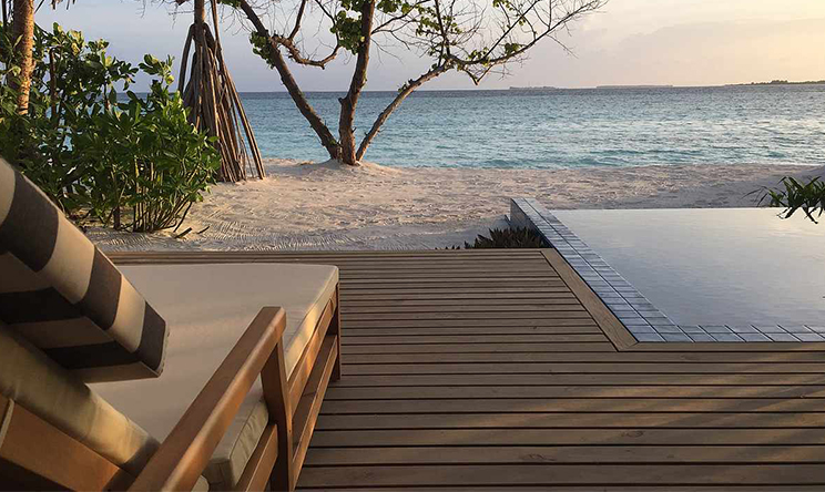 Beach-Bungalow-beach-pool3.jpg